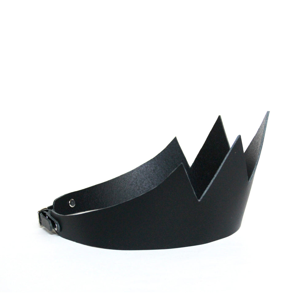Black leather crown short, side view