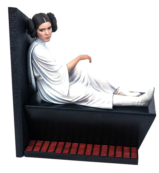 Diamond Select Toys Star Wars: A New Hope - Princess Leia Organa (Death Star Capture) 1/6 Scale Statue