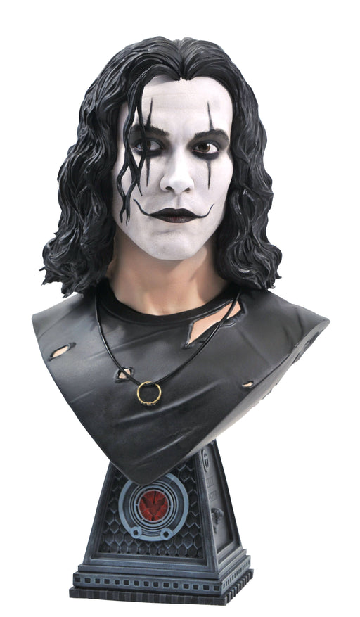 Diamond Select Toys Legends in 3D: The Crow - Eric Draven 1/2 Scale Bust