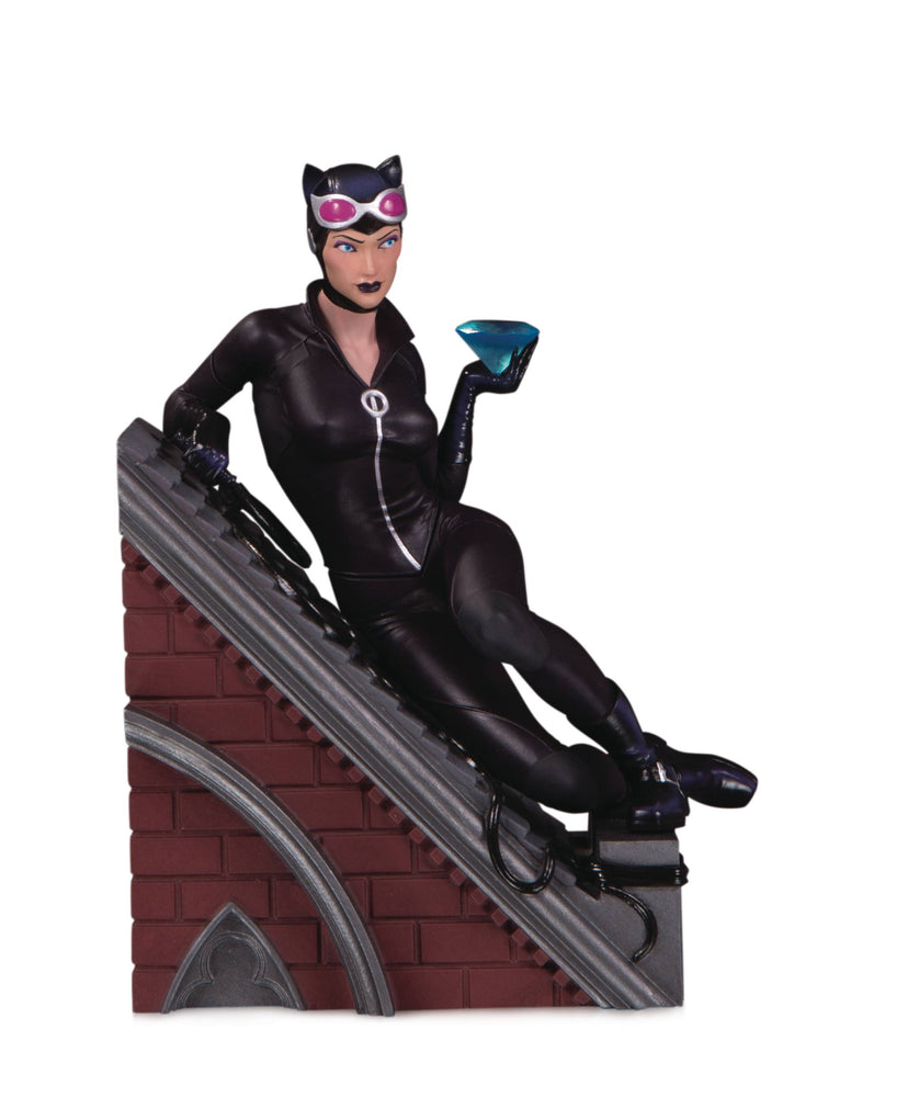 DC Collectibles DC Villains Multi-Part Statue - Catwoman