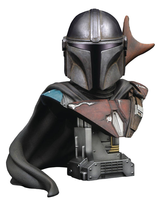 Diamond Select Toys Legends in 3D: Star Wars - The Mandalorian 1/2 Scale Bust