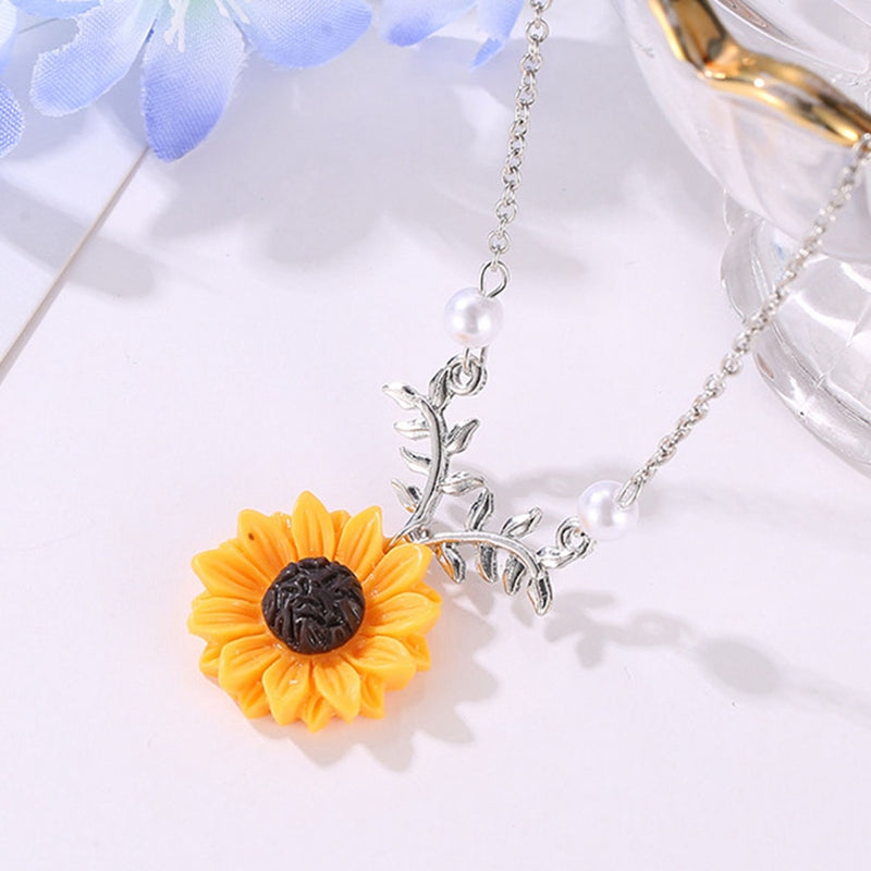 Delicate Sunflower Pendant Necklace Creative Imitation Pearls - MomProStore