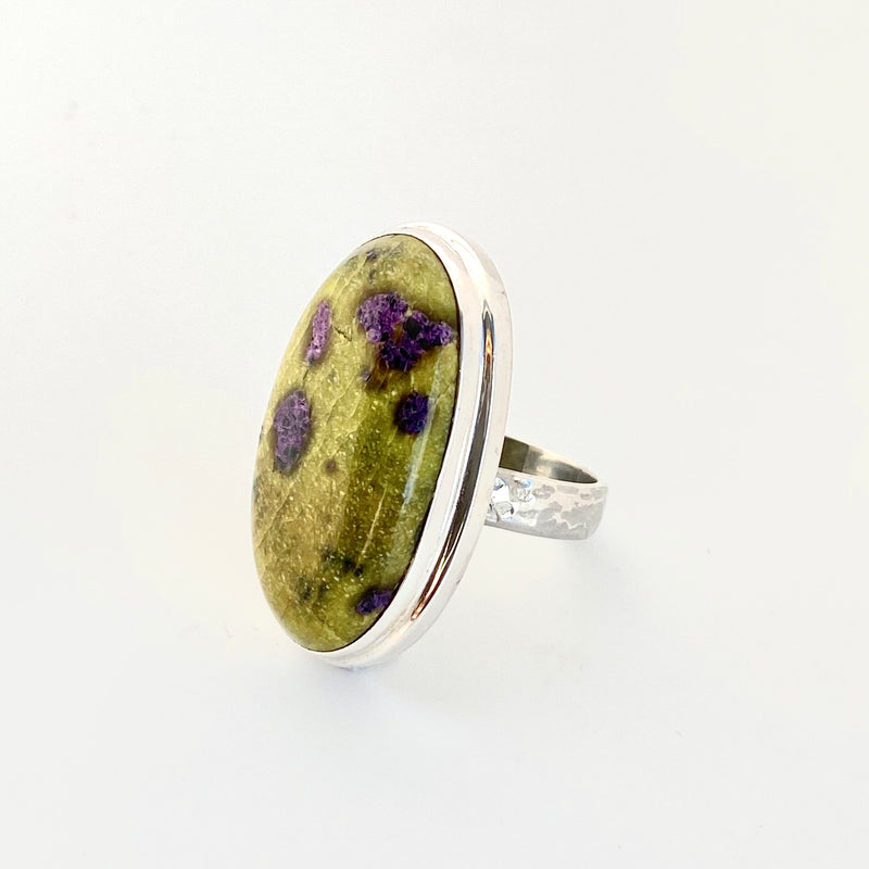 Stichtite + Serpentine Ring