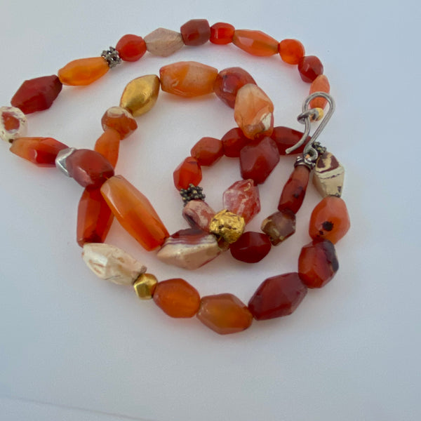 Ancient and antique carnelian and gold necklace