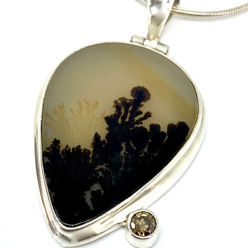 Dendritic Agate with Argyle Diamond