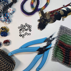 Beginner's class creating European 4 in 1, Box Chain, and Roundmaille