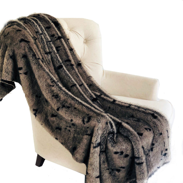 Gunmetal Gray Tones Tissavel Faux Fur Luxury Throw