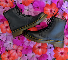 Load image into Gallery viewer, Dr. Martens - 1460 Smooth Black