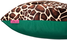 Load image into Gallery viewer, cool giraffe cushion, kudde giraffe mönster