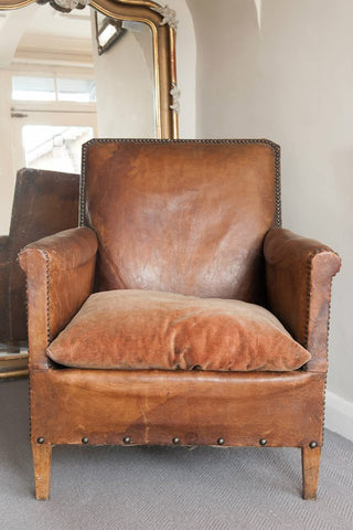 Vintage French Leather Chair in good condition - Decorative Antiques UK  - 1