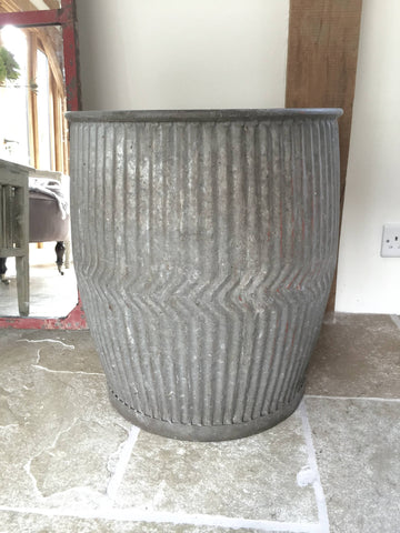 Vintage Galvanized Dolly Tub in very good condition - Decorative Antiques UK  - 1