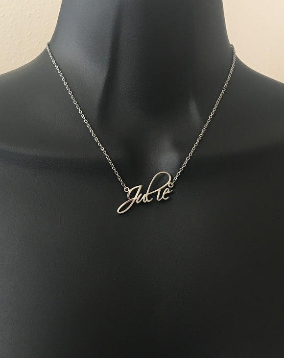 Exquisite, cursive name necklace - rhinestonecandystore