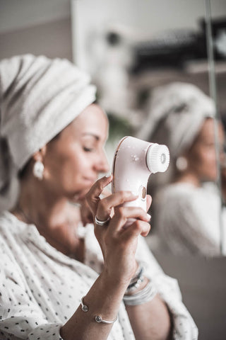 HOME SPA AMONG THE BEAUTY GADGETS: THE BAREFACED2 FACIAL BRUSH
