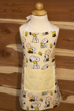 Load image into Gallery viewer, Charlie Brown and Snoopy Child Apron and Chef Hat CedarHill Country Market