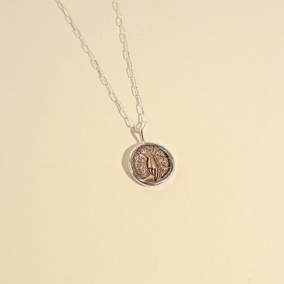 Medallion Elementos Necklace - Air
