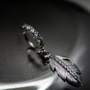 Silver Feather Belly Ring with Clear CZs - TummyToys