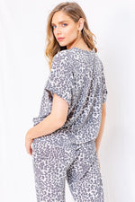 Roll Up Sleeve Leopard Top