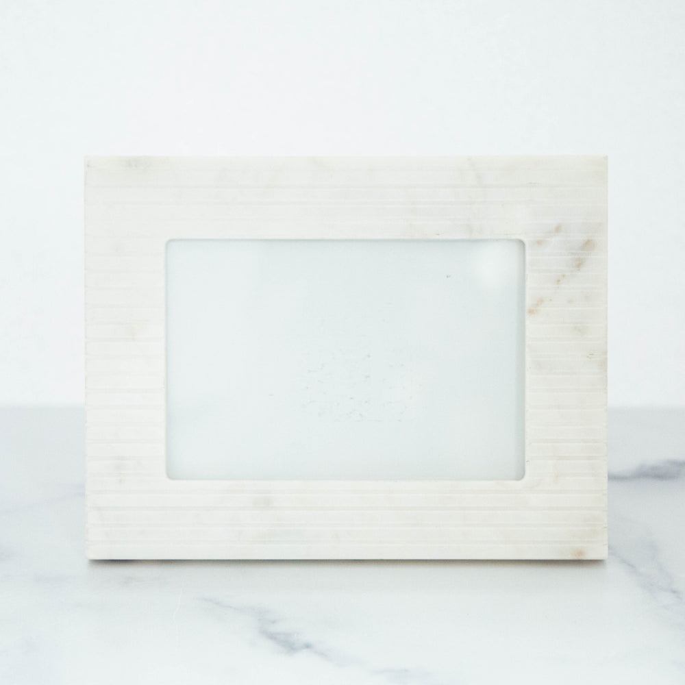 "Load image into Gallery viewer, White Marble Frame 4""x6"""