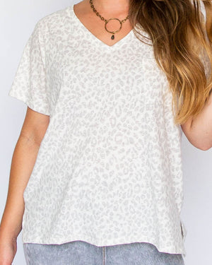 Load image into Gallery viewer, Ivory Leopard V-neck Tee