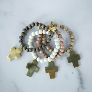 Load image into Gallery viewer, Beaded Bracelet with Cross, White