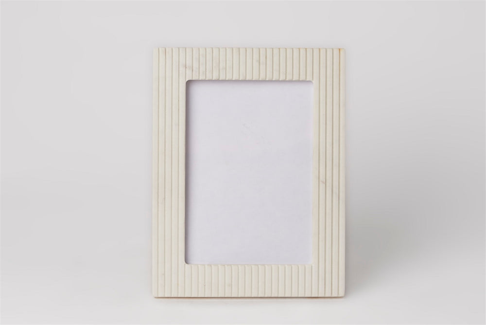 Load image into Gallery viewer, White Marble Pinstripe Frame - 5 x 7