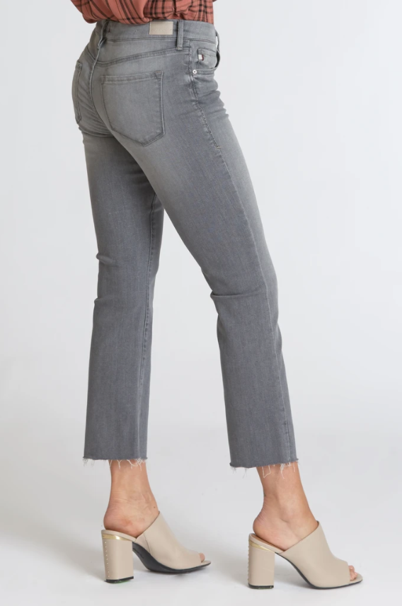 Load image into Gallery viewer, Zoe Straight Leg Jeans