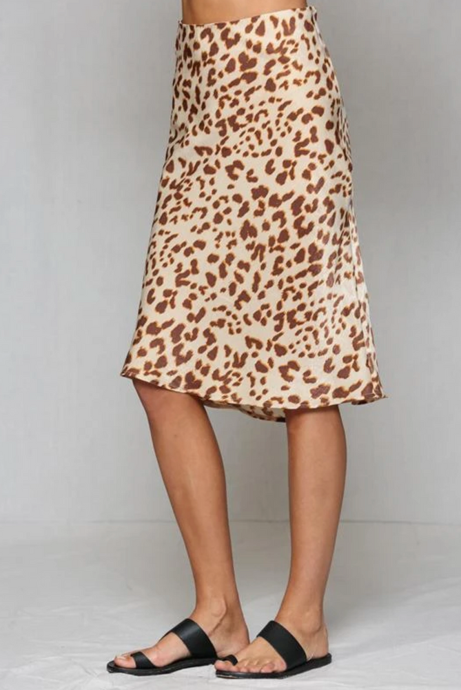 Load image into Gallery viewer, Leopard print satin midi skirt