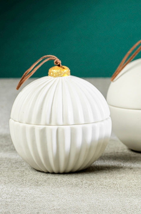 Porcelain Ornament Candle, Siberian Fir