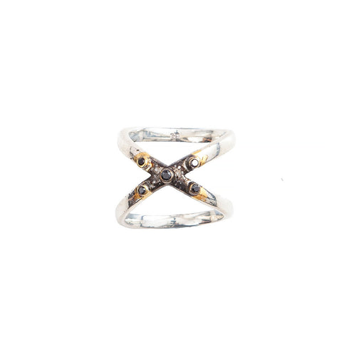 The cross over ring with stingray finish.