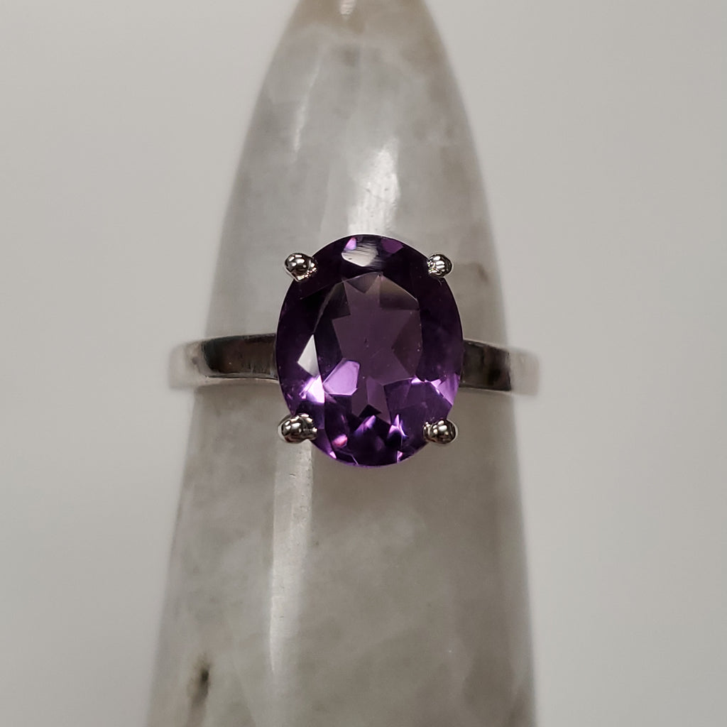Amethyst Oval Ring | Sterling Silver
