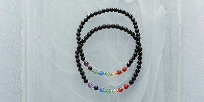 7 Chakra Mini 4mm - Gold (Amethyst, Lapis Lazuli, Blue Agate, Aventurine, Yell)ow Agate, Carnelian, and Red Coral. Black Agate beads.)