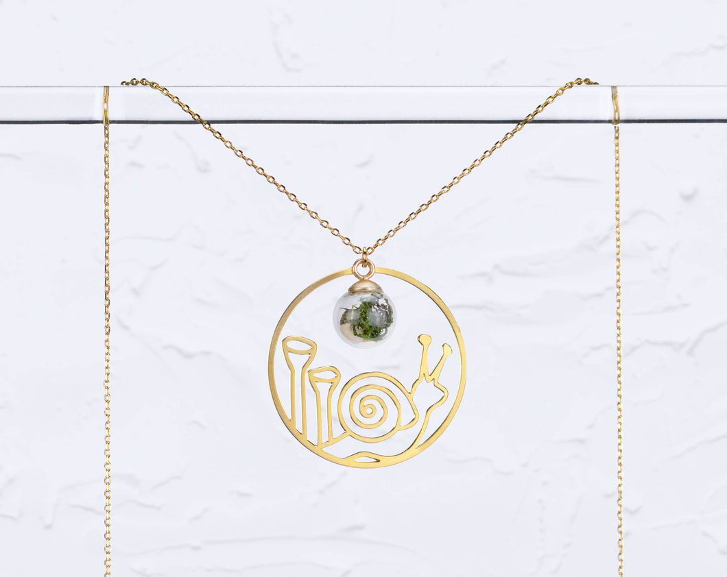 A Tea Leaf Jewelry - Snail & Pixie Cups Lichen with Terrarium Necklace | Brass