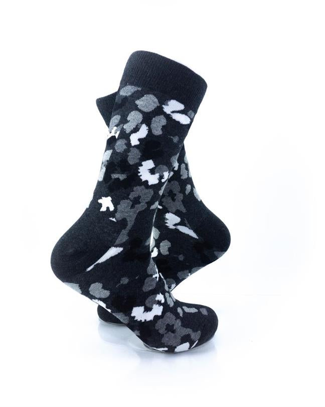 CoolDeSocks Black and White Petals Socks right view image