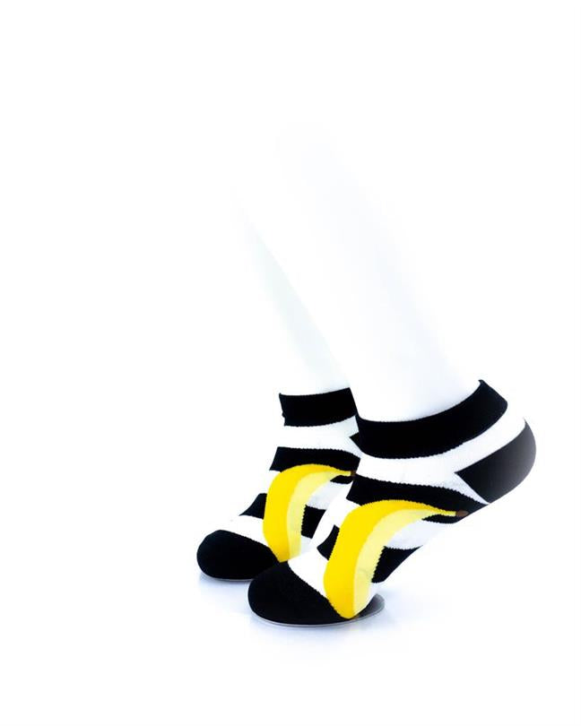 CoolDeSocks BW Stripe Banana Socks left view image