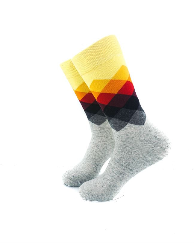 CoolDeSocks Checkered - Yellow Gray Socks left view image