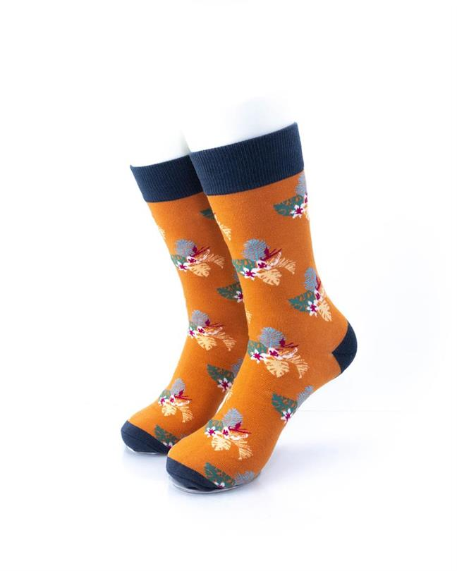 CoolDeSocks Flowers - Mistletoe Socks front view image