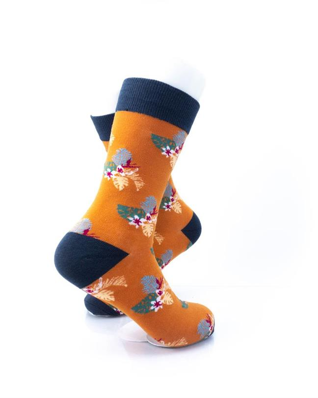 CoolDeSocks Flowers - Mistletoe Socks right view image