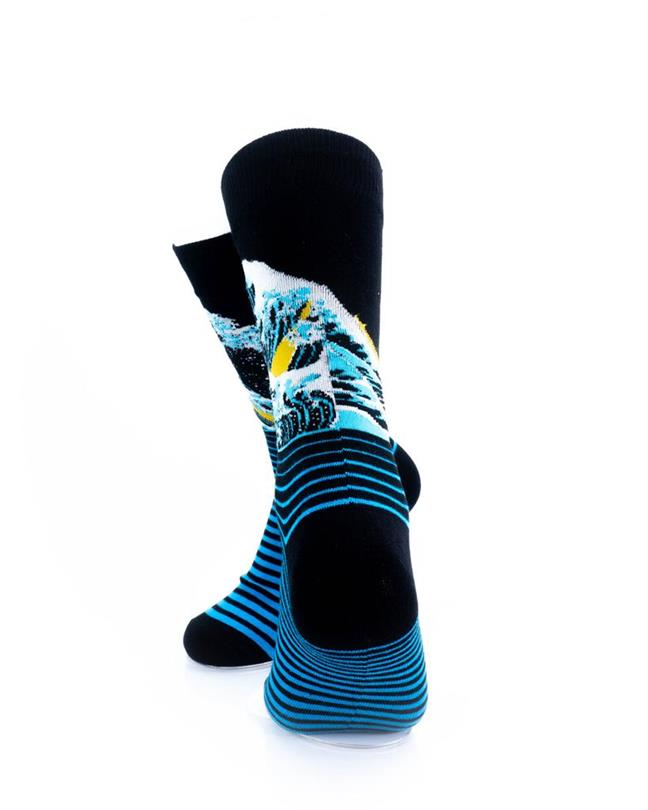 cooldesocks hokusai great waves_c_ crew socks rear view