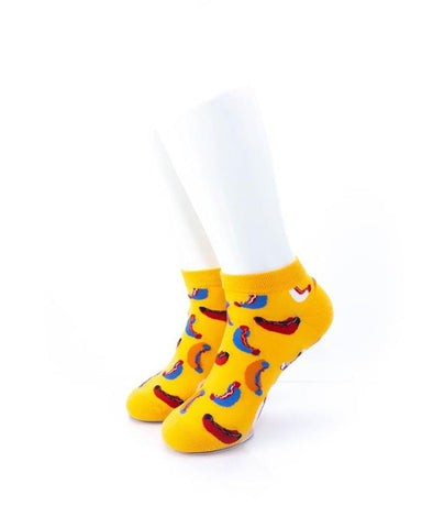 cooldesocks hot dogs in yellow ankle socks front view