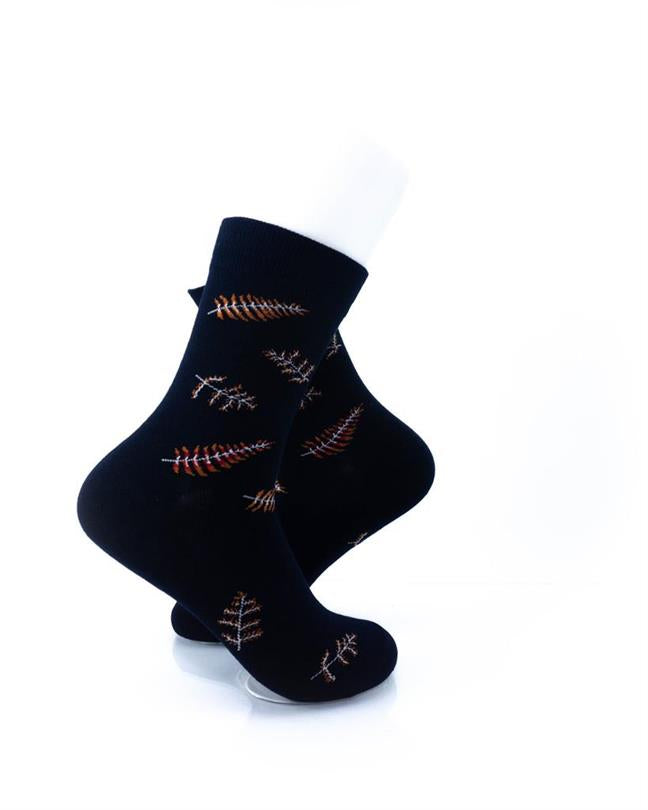 CoolDeSocks Leaf Skeleton Socks right view image