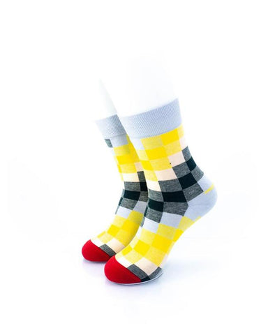 CoolDeSocks Old School - Checkered Socks front view image