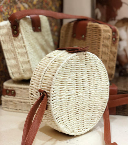 Bamboo round shaped handbag