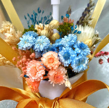 Load image into Gallery viewer, Everlasting Mini Hot Air Balloon Bouquet