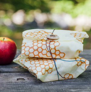 Sandwich Wrap in Honeycomb Print by Bee's Wrap