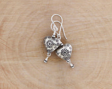 Load image into Gallery viewer, Thai Hill Tribe fine silver heart earrings.