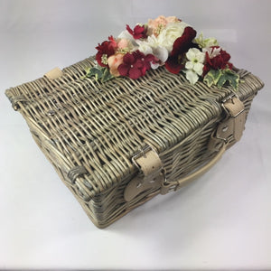 Classic Dolly Basket - Handmade Vintage Inspired