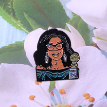 Load image into Gallery viewer, Oprah Golden Globes Lapel Brooch
