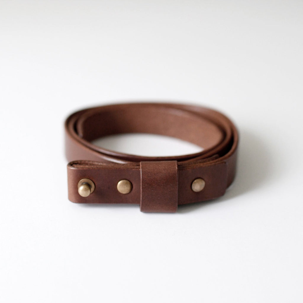 7115 Leather Buckle-less Belt
