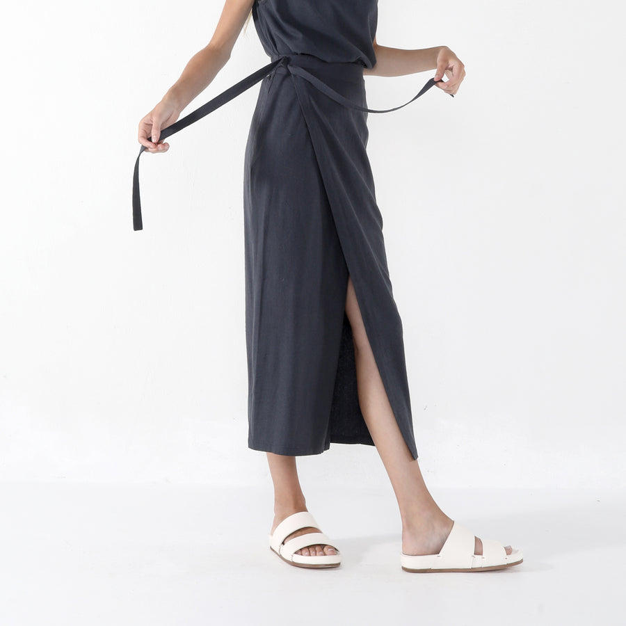 Ainsley Wrap Skirt SS20 - Navy