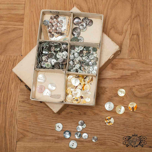 vintage 50s mother of pearl buttons